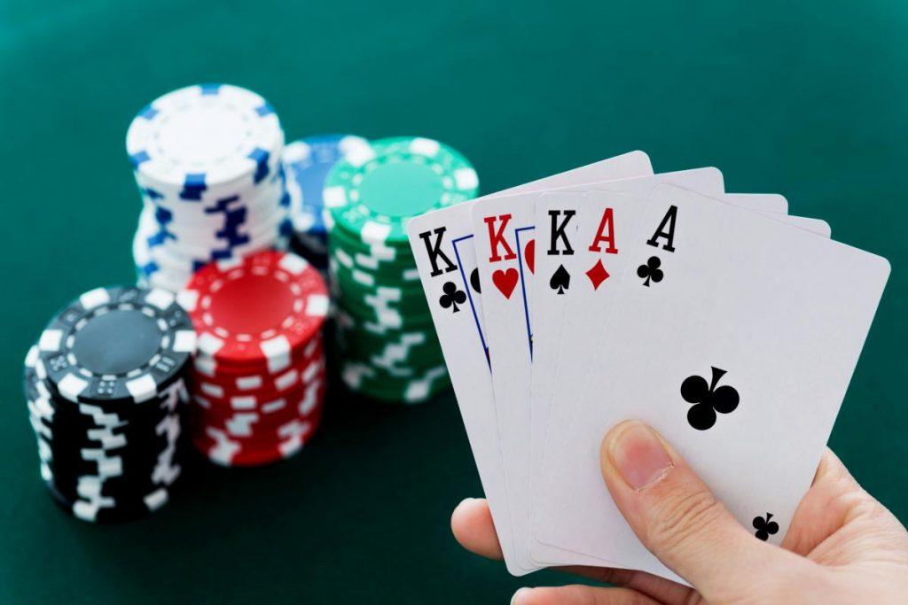 Poker สามารถหาเล่นได้ใน Casino ออนไลน์ เผื่อจะรวยกันแบบไม่รู้ตัว